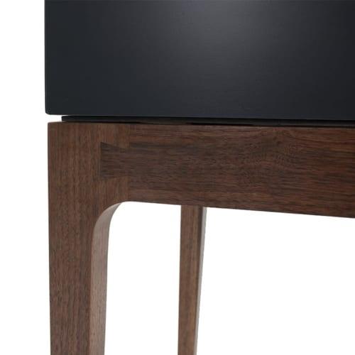 Robin Bedside Table leg details